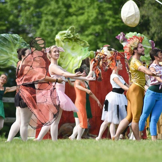 THIS SUNDAY Farm to Ballet returns to Golden Well! Tickets via @farmtoballet website. Doors at 5pm, show at 6pm. Optional Farm to Table dinner offered separately by Golden Well using farm ingredients from the land and from nearby farms or bring a picnic. #farmtoballet #farmtotable #vermontlife #getyourtickets