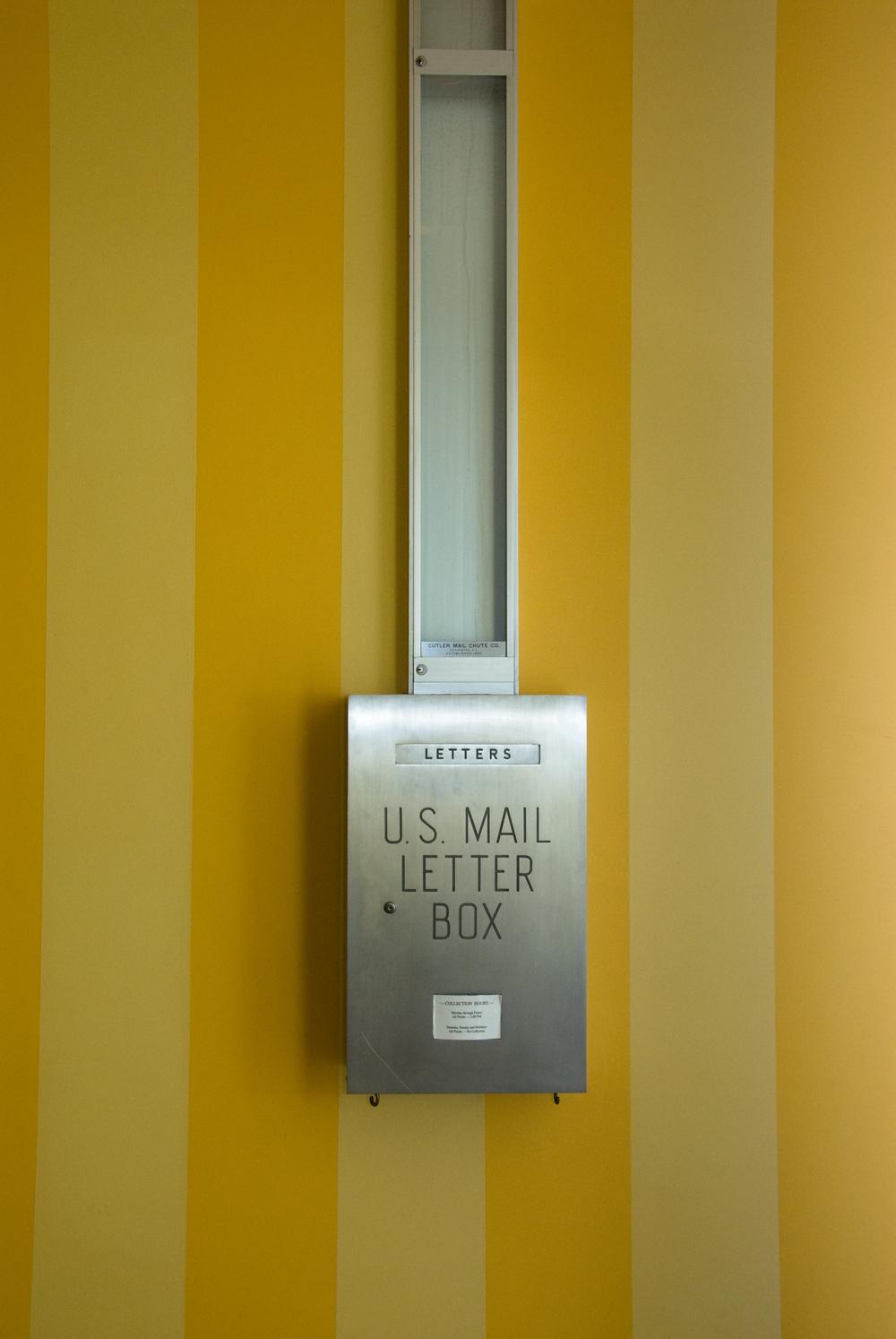 Mailbox2_20.jpg