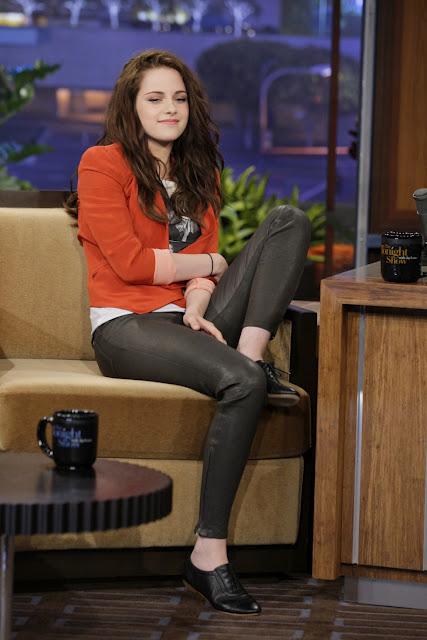 9# Kristen Stewart. Ignoremos o fato de seu recente caso de infidelidade e de seu personagem mais famoso ser a protagonista de um filme de vampiro. Se Kristen fosse homem/garoto, seria um cara com muita atitude e senso de moda.