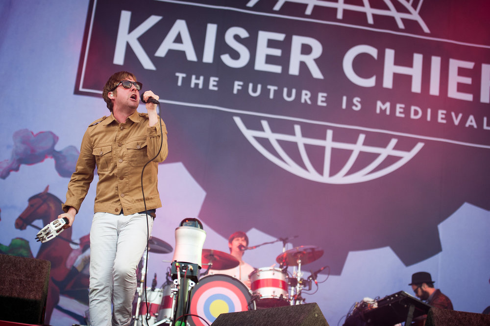 kaiser_chiefs_at_v_festival_weston_park02_website_image_nmnm_wuxga.jpg
