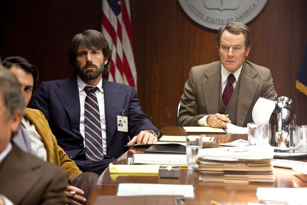 bryan-cranston-cia-director-in-argo-with-ben-affleck-images.jpg
