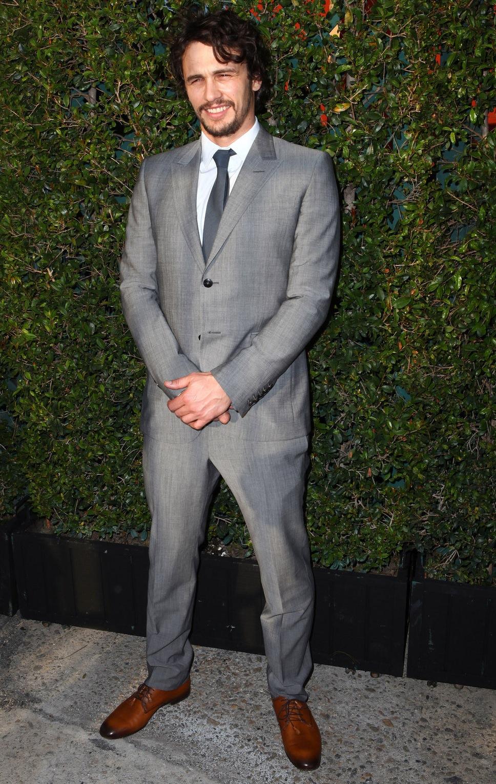 James Franco - 2012 foi um dos seus anos mais discretos. Longe do auge que viveu em 2010 e 2011, Franco decidiu se dedicar ao cargo de diretor e produtor, porém mantendo-se elegante do seu jeito característico.