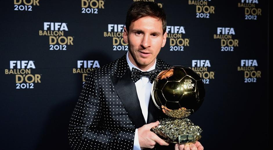 Messi e suas bolas (sem duplo sentido), em uma possível homenagem a Maradona .