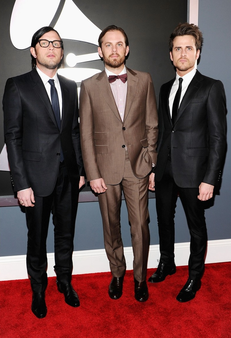 kings-of-leon-lily-aldridge-grammys-2012-01.jpg