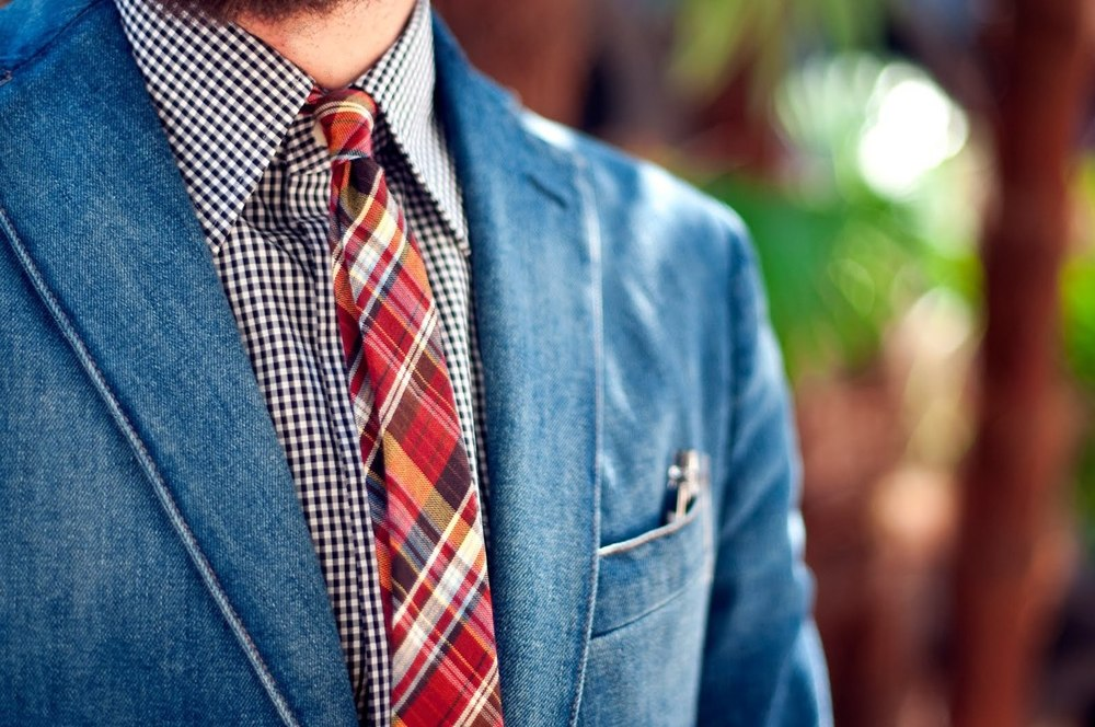 Denim-jacket-madras-tie-streetstyle-men-fashion.jpg