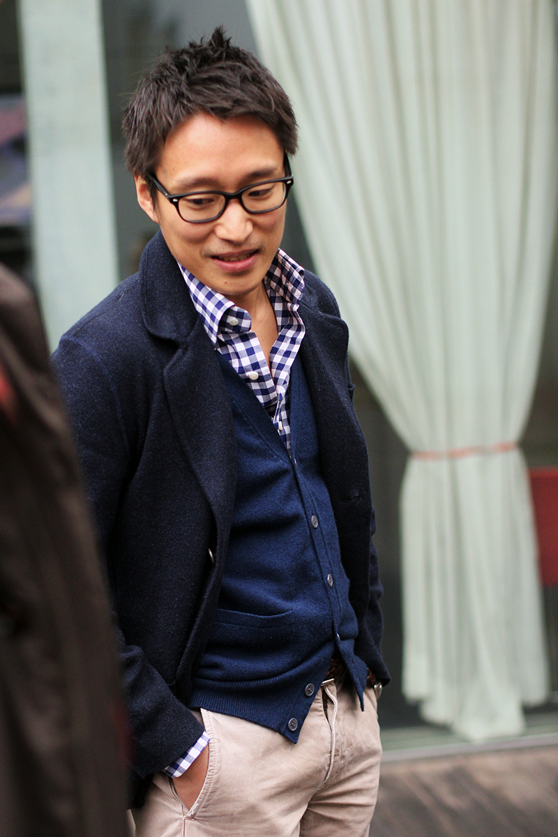 gingham-shirt-cardigan-men-glasses-Keita-Fujieda.jpg