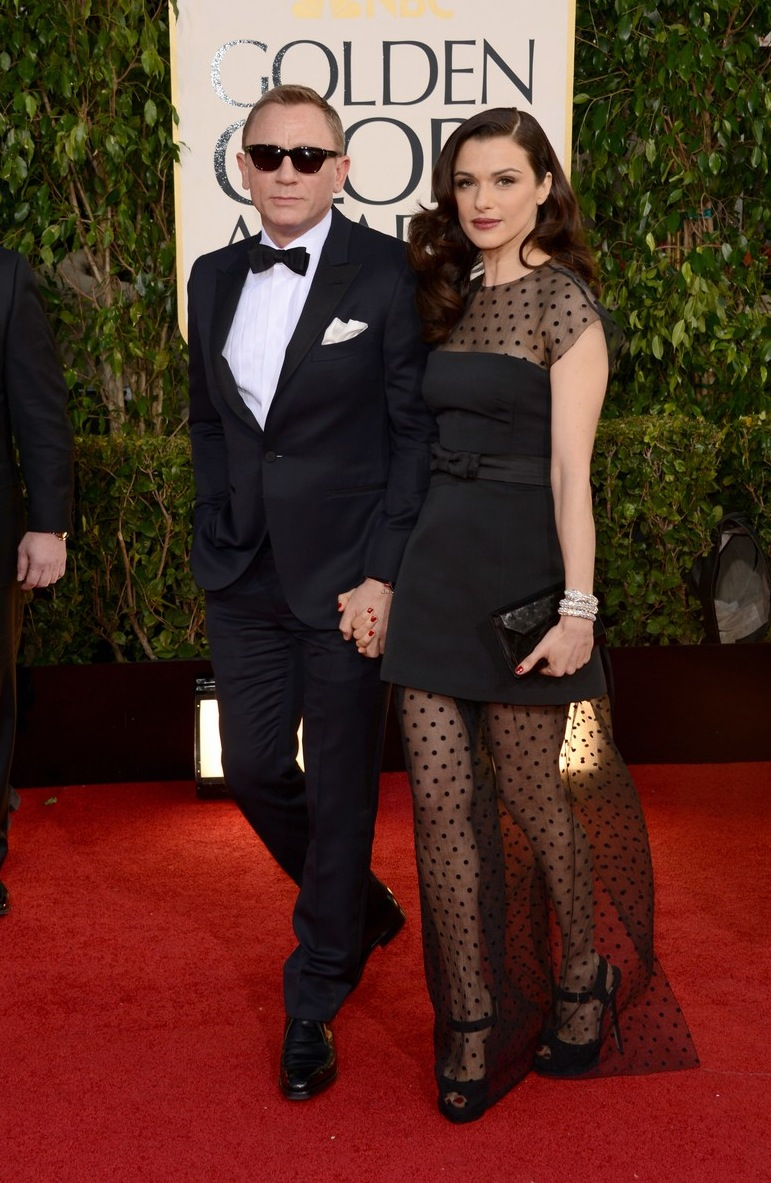 rachel-weisz-daniel-craig-golden-globes-2013-red-carpet-05.jpg