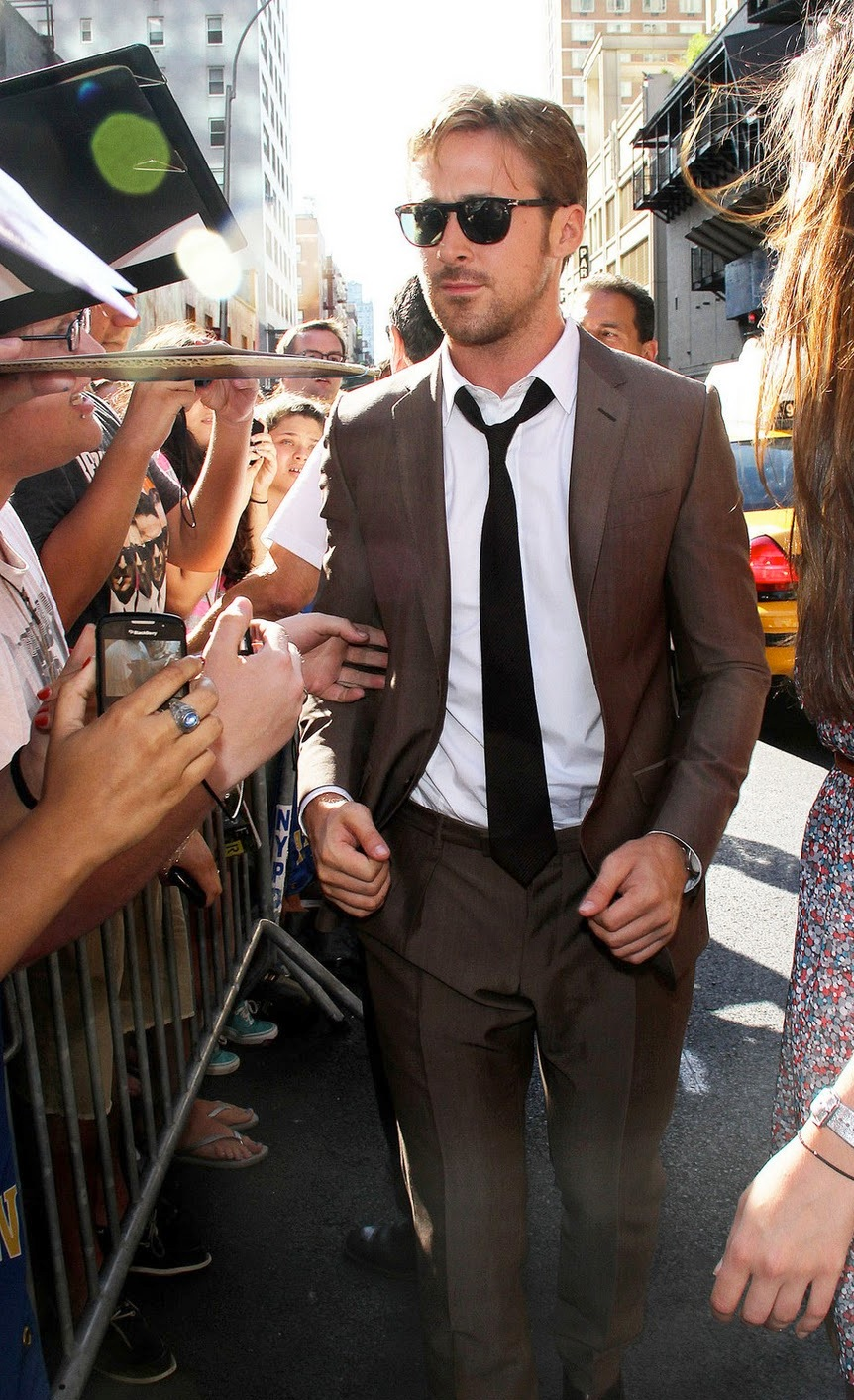 ryan_gosling_brown_suit_white.jpg