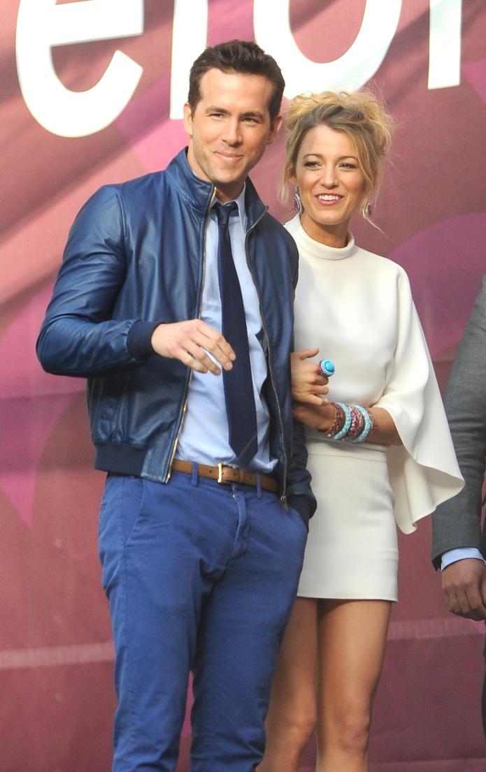 8#Blake Lively e Ryan Reynolds. Um casal que já fez par romântico em filme de super-herói tinha que andar sempre combinando. Além de sempre elegantes, os dois são seguidamente apontados como um dos casais mais bonitos da atualidade.