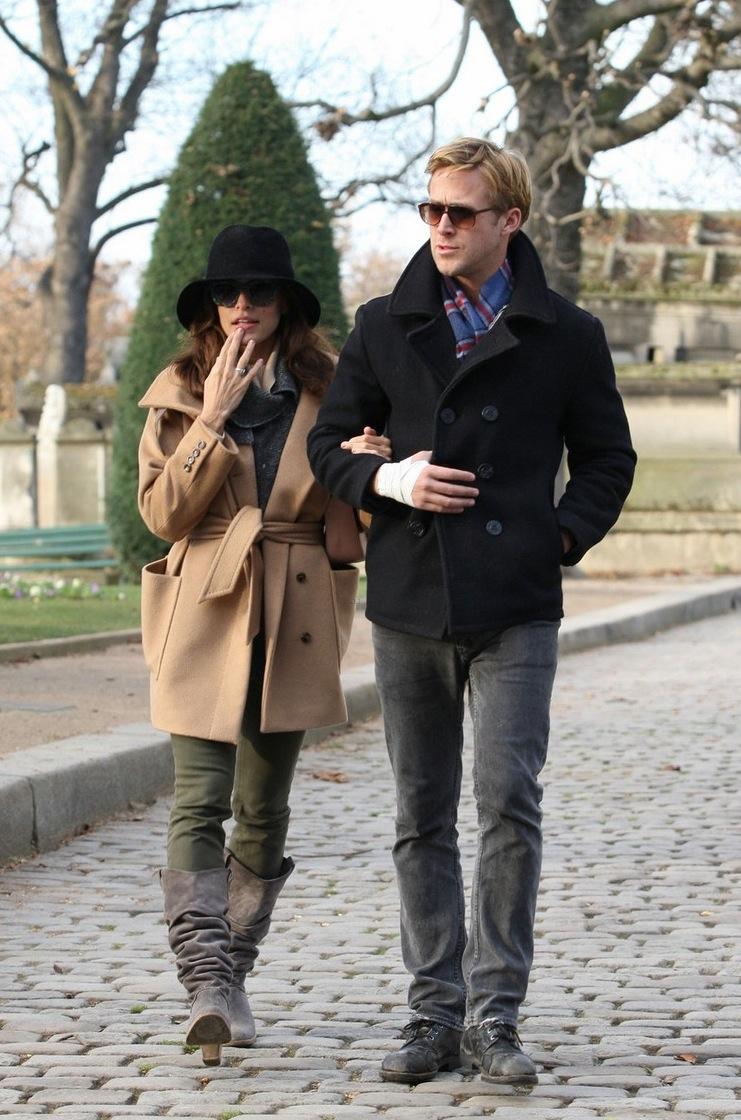 6#Eva Mendes e Ryan Gosling. Com certeza, o casal mais paparicado da atualidade. Dois verdadeiros ícones de estilo que se juntaram e formaram um casal pra lá de estiloso e que são unanimidade em qualquer lugar.