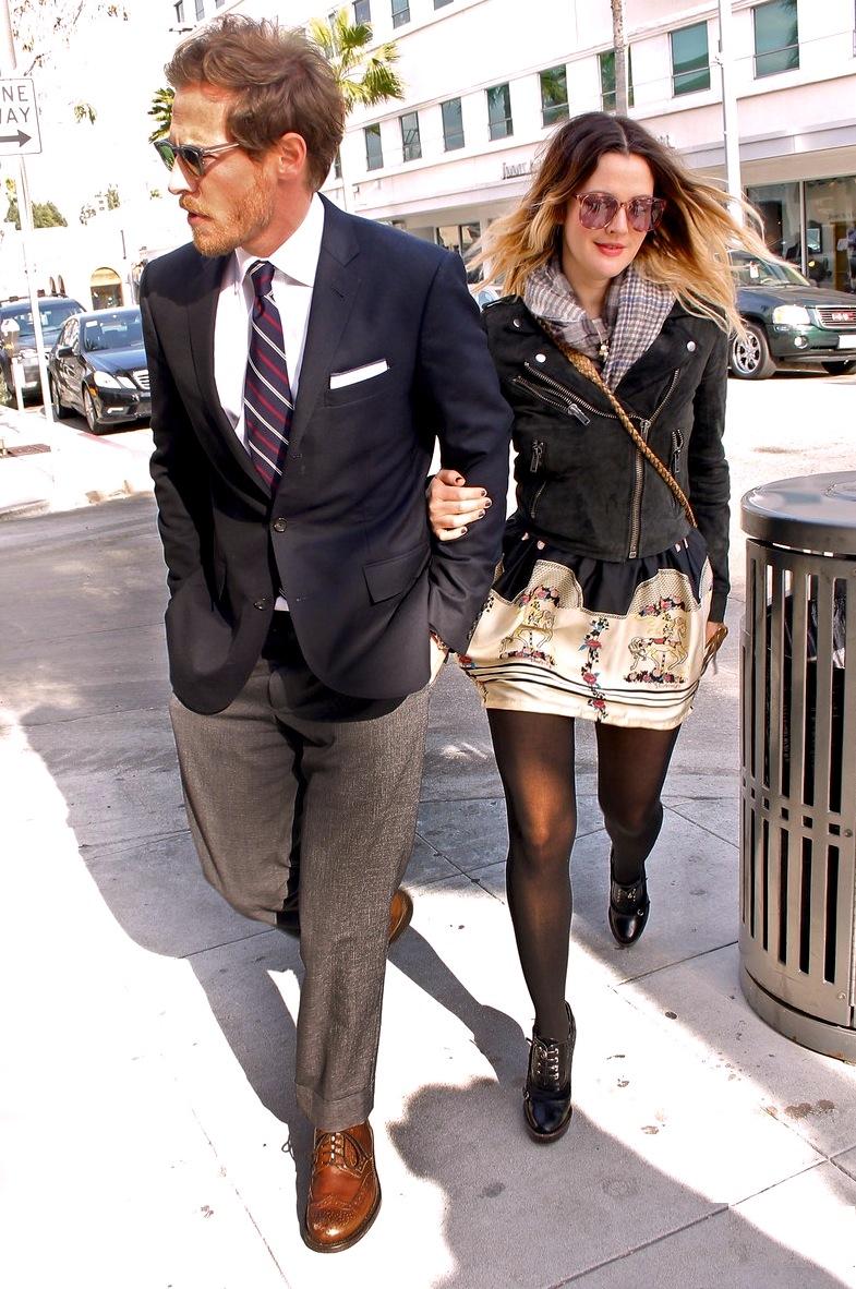4#Drew Barrymore e Will Kopelman. Em termos de referência, esse casal é um verdadeiro coquetel. Isso porque Drew e Will misturam tudo que é tipo de estilo para formar figurinos muito bacanas. Variedade na medida certa.