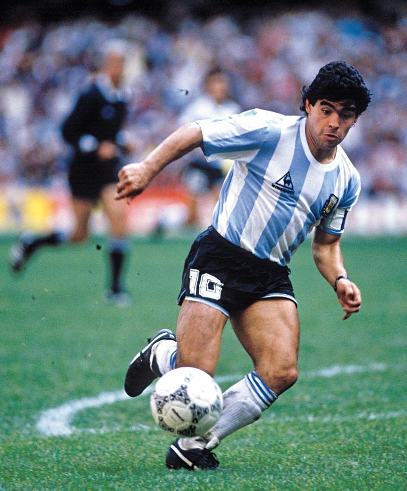 4# Argentina 1986. A gente pode até não gostar deles. Eles podem até não gostar da gente. Mas não há como negar que Maradona e sua turma fizeram bonito na Copa do México. Além de gols antológicos do camisa 10, muita gente também babou naquela camiseta azul e branco fantástica.