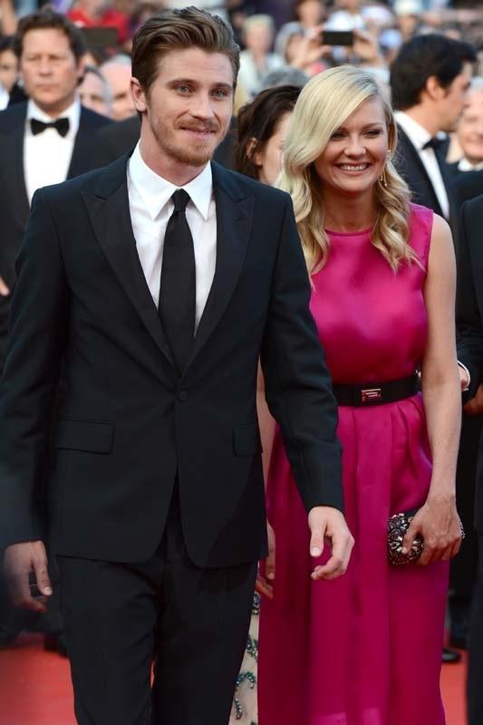 Garrett-Hedlund-et-Kirsten-Dunst-en-couple-au-Festival-de-Cannes-2012_portrait_w858.jpg