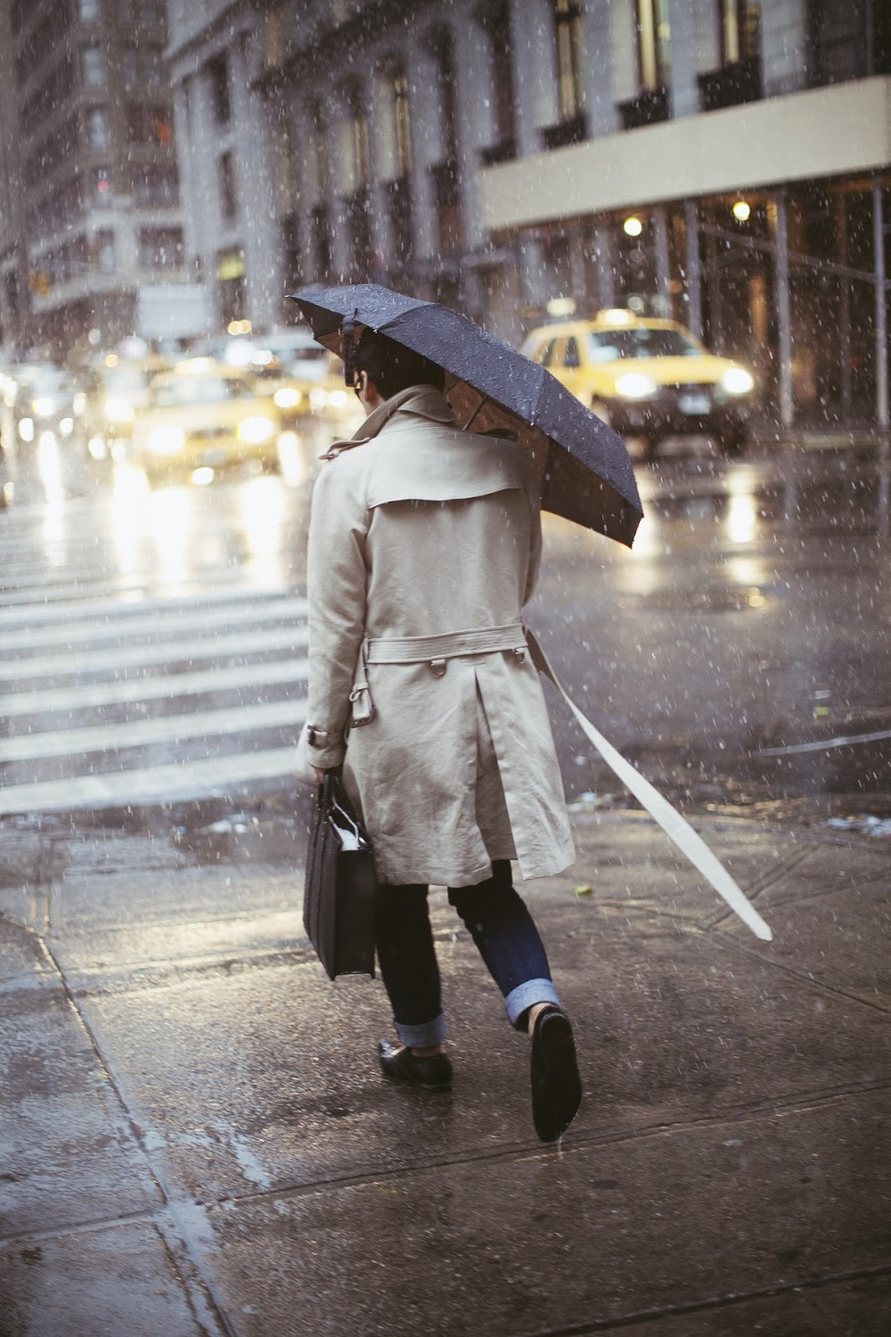 trench-trenchcoat-men-winter-style-coat-umbrella.jpg