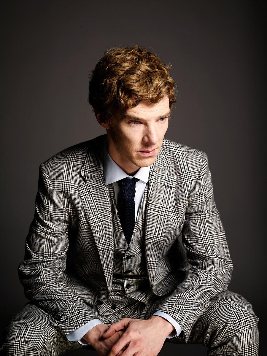 Benedict Cumberbatchpode ser considerado um dos homens mais elegantes do momento. Seus ternos sempre muito bem alinhados e sua habilidade gigante para escolher cores sóbrias sem tornar um visual sem graça, dão a ele tamanho título. Aos 37 anos de idade, Benedict vive o seu auje não apenas em termos de moda e estilo, mas também na sua carreira como ator. Seu personagem na série de filmes Star Trek trouxe seu nome ao patamar mais alto do cinema. Atuações marcantes e figurinos certeiros. Aos 37 anos,Benedict Cumberbatch é o melhor estereótipo possível do atôr inglês: talentoso e elegante.