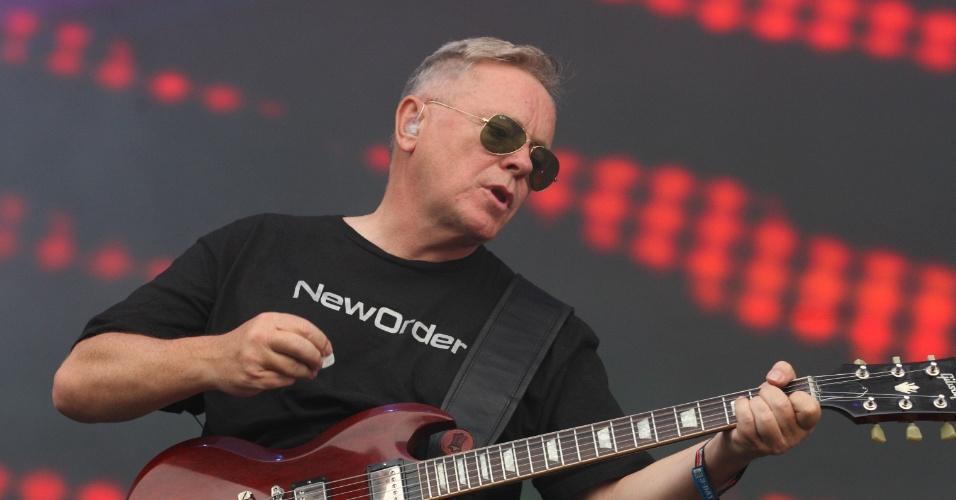 New Order. Os veteranos ingleses mostram que seguem com o velho pique que fez dessa, uma das maiores bandas da década de 80. A camiseta da própria banda que poderia ter ficado só com os fãs.