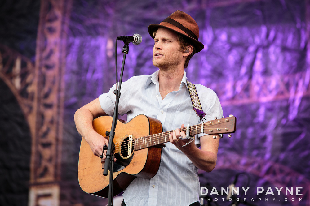 The Lumineers. Mais uma vez os caipiras cool da banda americana mandaram bem na escolha do visual country/indie. Um Mumford & Sons made in USA.