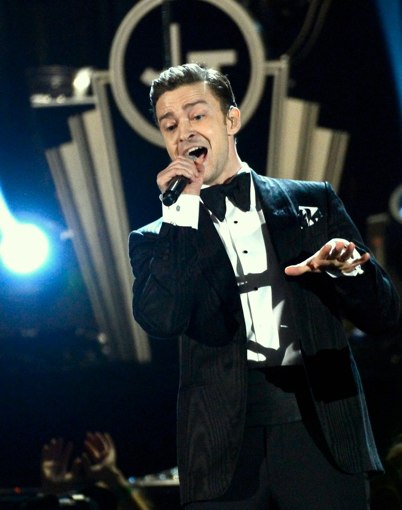justin-timberlake-grammys-2013-performance-watch-now-02.jpg
