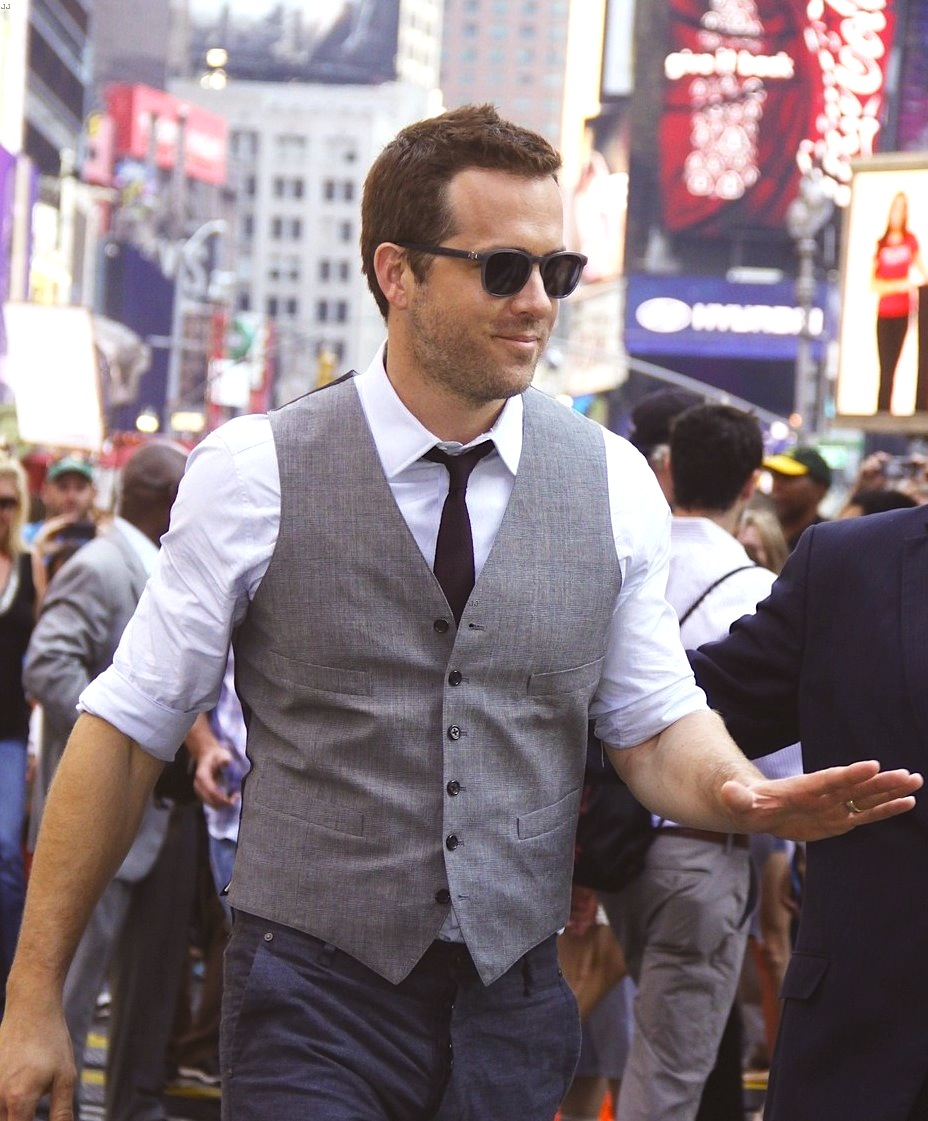 Ryan-Reynolds-Wearing-Todd-Snyder-Rag-Bone-Good-Morning-America-shirt-vest.jpg