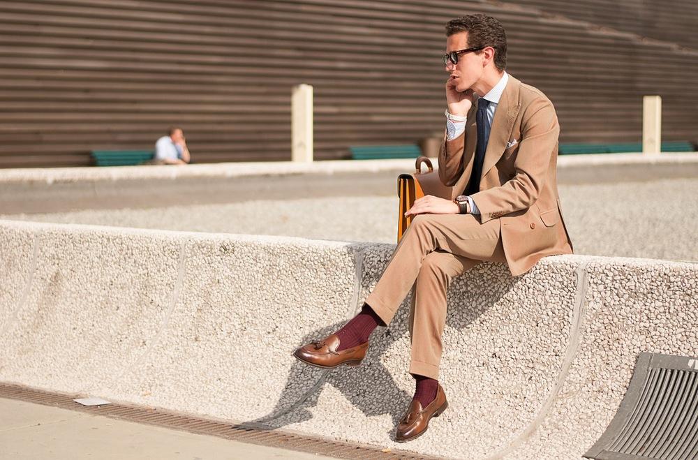 pitti-call-uomo-suit-beige-khaki-menswear-streetstyle.jpg