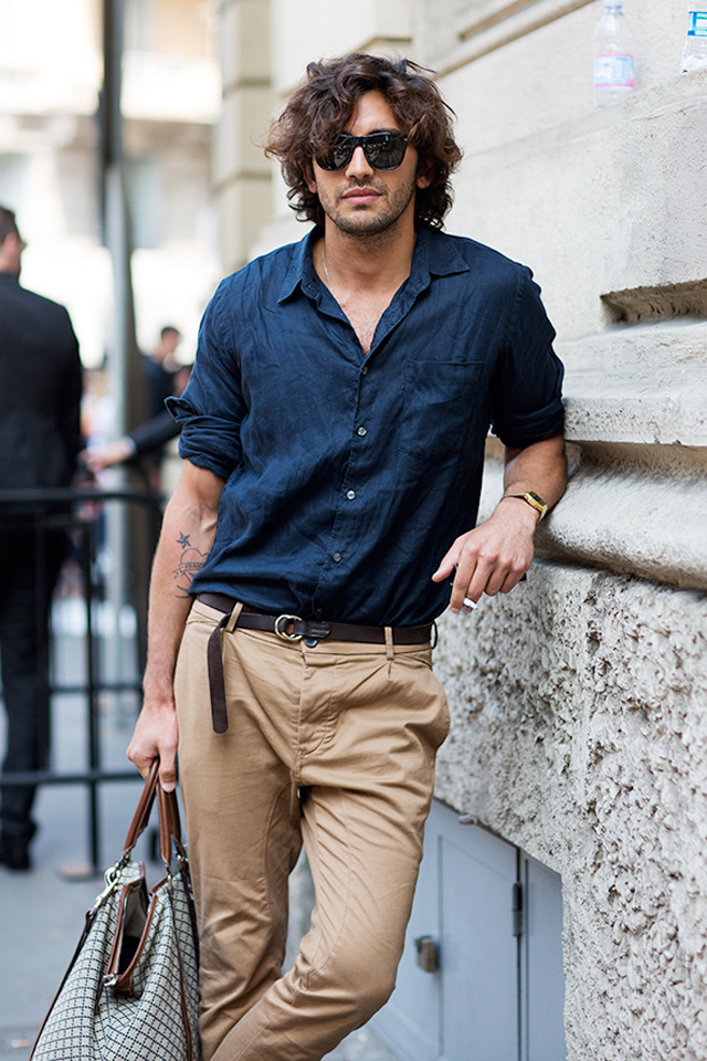 navy-linen-shirt-and-tan-slacks-with-gold-timex-watch-street-fashion-photo-by-scott-schuman-the-sartorialist-blog.jpg