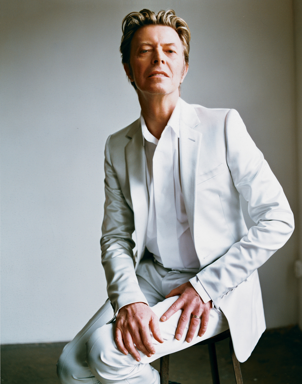 David_Bowie_-_V_18_Summer_2002_281329.jpg