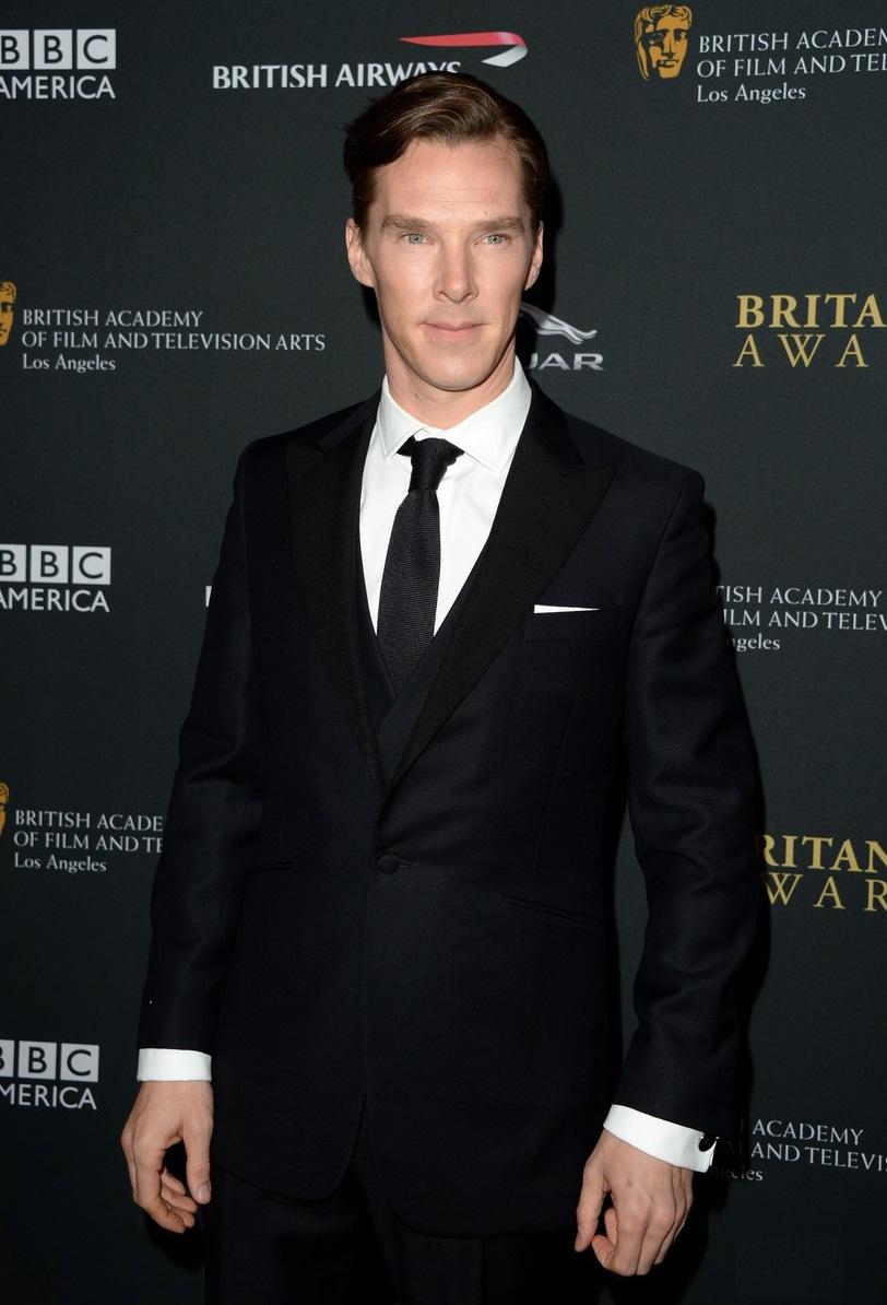 Benedict Cumberbatch é outro cara que já foi  referência  por aqui. Na última edição do BAFTA, o inglês mostrou que um simples terno bem cortado pode ser a escolha mais certeira de todas.