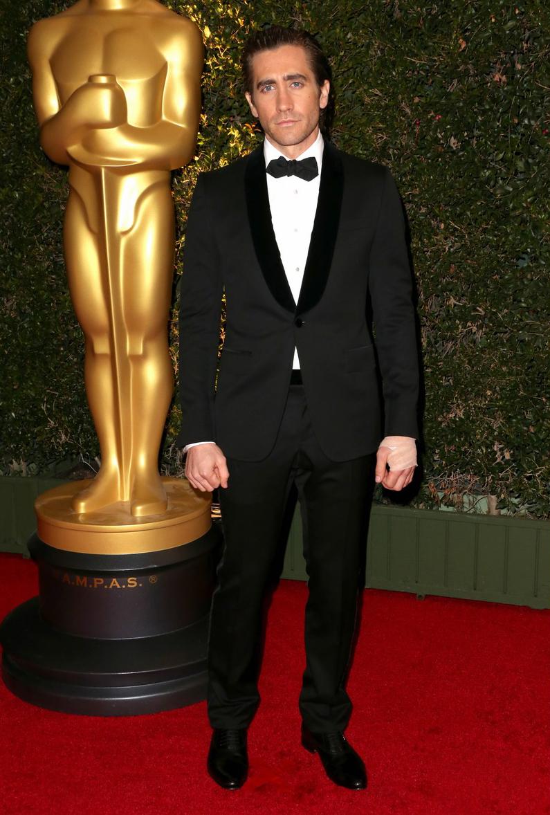 Jake Gyllenhaal é sempre garantia de figurinos simples e certeiros. Na noite de ontem não foi diferente. Tudo na proporção certa e sem qualquer exagero.
