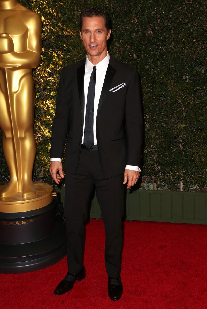 Eleito o homem do ano pela revista GQ, Matthew McConaughey fez jus ao título. Apostando em um terno mais estreito, o ator foi um dos destaques da noite.