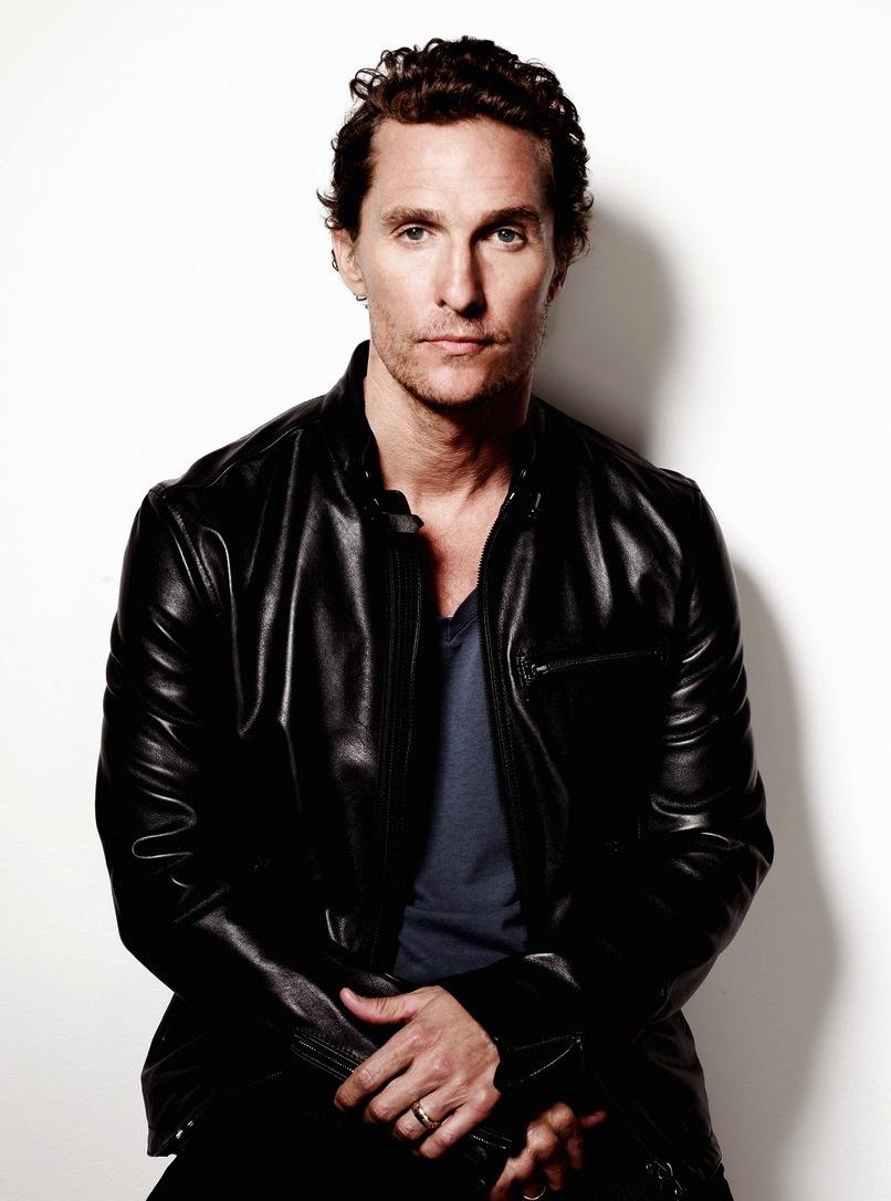 Matthew McConaughey é um cara que vem com tudo para o ano que vem. É certeza de indicação ao Oscar e de belos figurinos ao longo do ano. Outro que, além do movimentado ano, deu uma rica reformulada no visual.