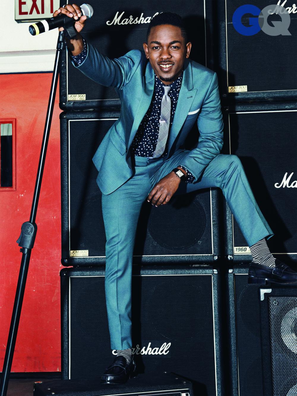 Kendrick Lamar foi outro cara que se destacou bastante na música. E não só pelo seu som. Seu figurino que não lembra em nada os rappers tradicionais, com roupas largas e acessórios cheios de brilho, encantou até quem não gosta de hip-hop.