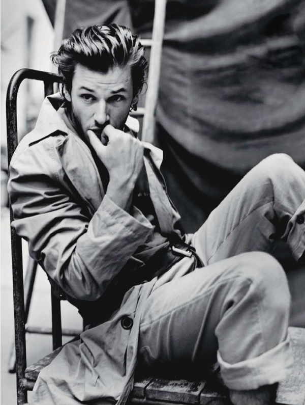 Também europeu e avesso aos exageros, Gaspard Ulliel também aniversaria no dia de hoje. O francês, que por muito tempo foi o rosto da campanha da Chanel dirigida por Martin Scorsese, fecha 29 anos nesse dia 25 de novembro. Um cara que mostra que o tradicional estilo francês, elegante e despojado ao mesmo tempo, nunca vai sair de moda.