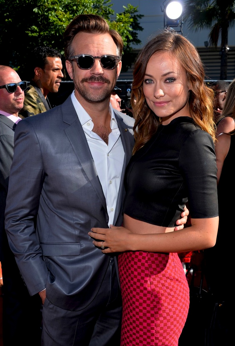 jason-sudeikis-olivia-wilde-has-made-out-with-more-chicks-than-i-have-04.jpg