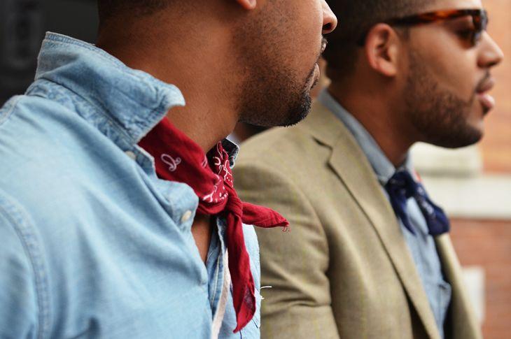 Resultado de imagem para homens de bandana no pescoço