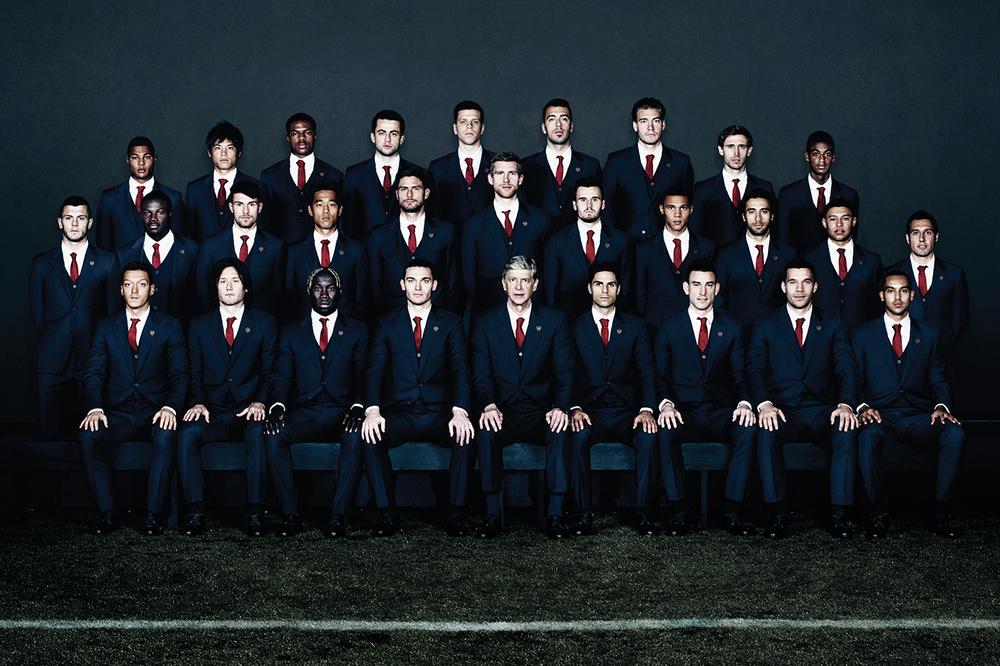 O time do Arsenal-ING, todo vestido pela grife Lanvin.