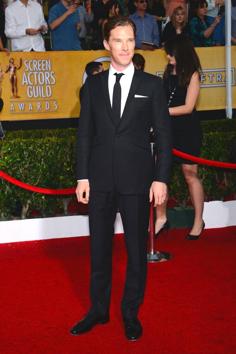 Benedict Cumberbatch também já passou bastante por aqui. E como sempre, sua elegância britânica merece destaque. Mesmo com a gravata frouxa, o ator acertou em cheio no caimento do terno e nos ricos detalhes.