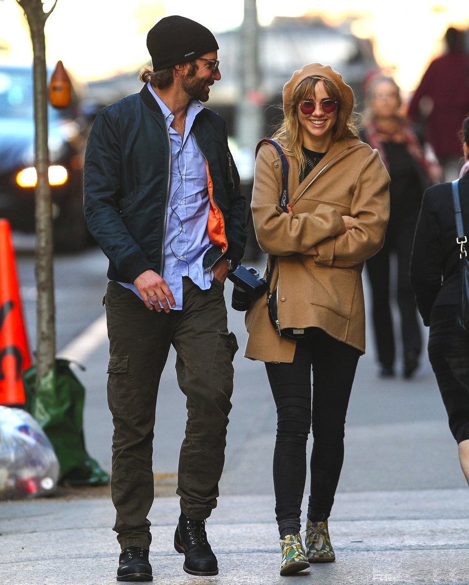 bradley-cooper-suki-waterhouse-roam-nyc-before-met-ball-05.jpg