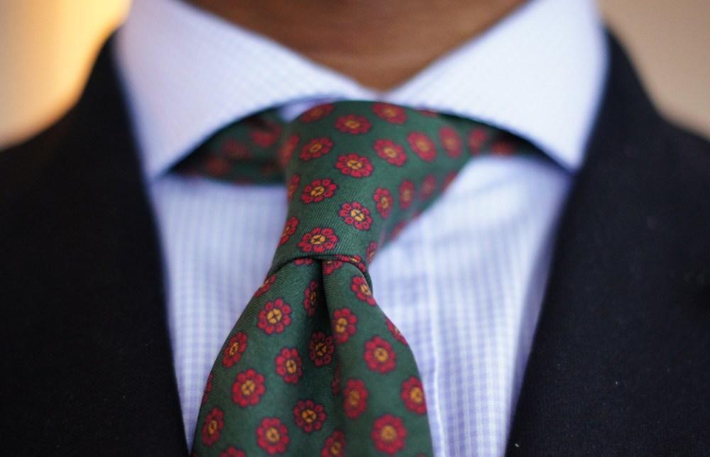 flower-patterned-green-red-tie-preppy.jpg