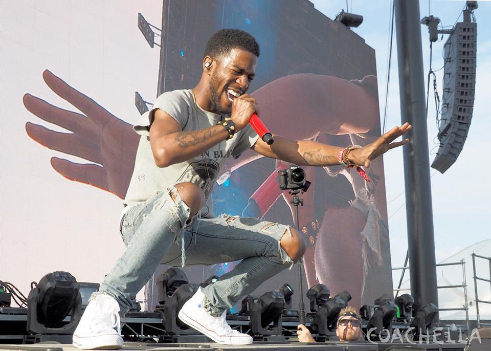 Cuidadosamente assumindo o posto de Kanye West como rapper mais bem vestido da atualidade, Kid Cudi foi só elogios no festival.