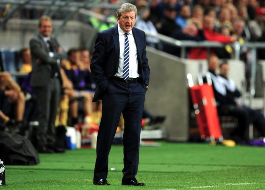 Roy Hodgson - Inglaterra  O mais velho da lista, com 66 anos, Hodgson preserva a cultura britânica de vestir belos ternos no comando técnico. Outro que tem a paixão pelo futebol e pela alfaiataria no sangue.