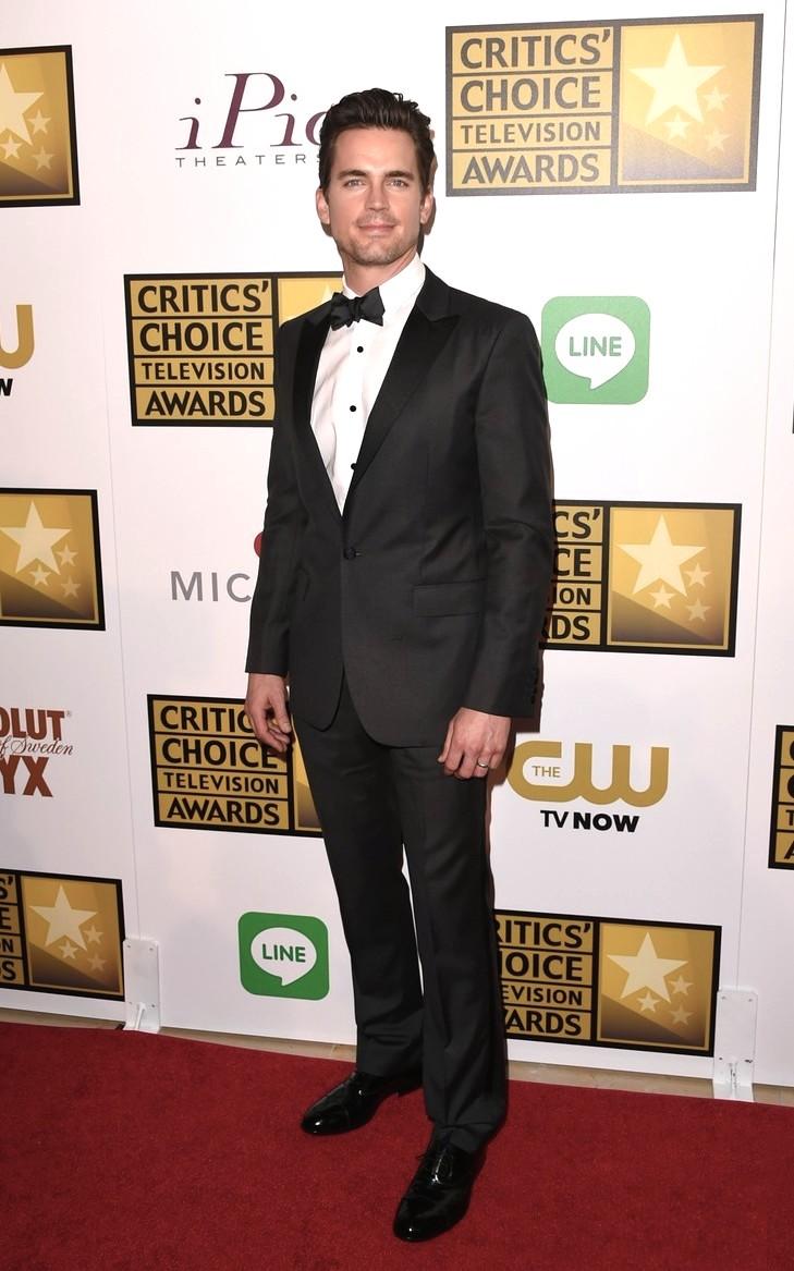 """Destaque por onde passa devido ao seu enorme bom gosto para roupas, Matt Bomer, que também foi agraciado com o prêmio de """"Melhor ator coadjuvante em um telefilme/minissérie"""" por""""The Normal Heart"""" arrancou aplausos ontem e hoje pelo seu caprichado smoking."""