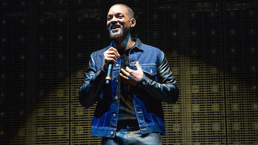 Apesar de não constar no line up oficial, Will Smith fez uma aparição especial no show do DJ Calvin Harris. E valeu a pena. Pelo menos pelo figurino elogiável do cantor/ator.
