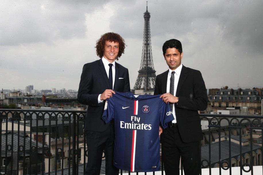 David Luiz era pura elegância na sua apresentação oficial.