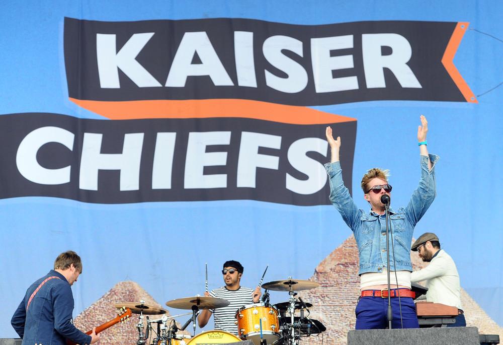 Fechando a nossa galeria estão os sempre destacados Kaiser Chiefs. Liderados pelo excêntrico Ricky Wilson, o grupo de Leeds mostrou a elegância e a animação de sempre ao tocar os seus vários hits.