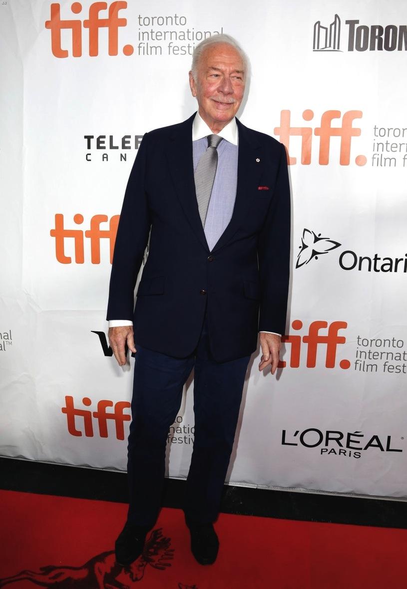 """Christopher Plummer é daqueles senhores que tem a palavra """"classe"""" no sobrenome. Simples e à vontade, o veterano ator mostrou que os homens mais velhos devem sim prestar atenção no que vestem."""