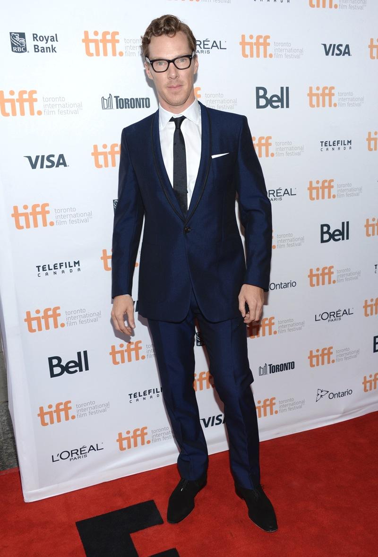 E para fechar a nossa estrelada galeria, mais um representante da tradição inglesa de se vestir. Benedict Cumberbatch pode, sem nenhuma hesitação, ser considerado o homem mais elegante da atualidade. O figurino aí de cima já justifica tudo isso.