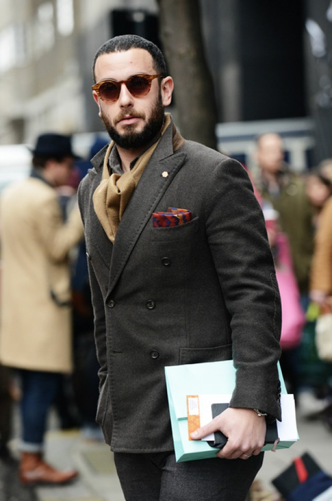 pitti-uomo-scarf-men-jacket-sunglasses-e1357639422113.jpg