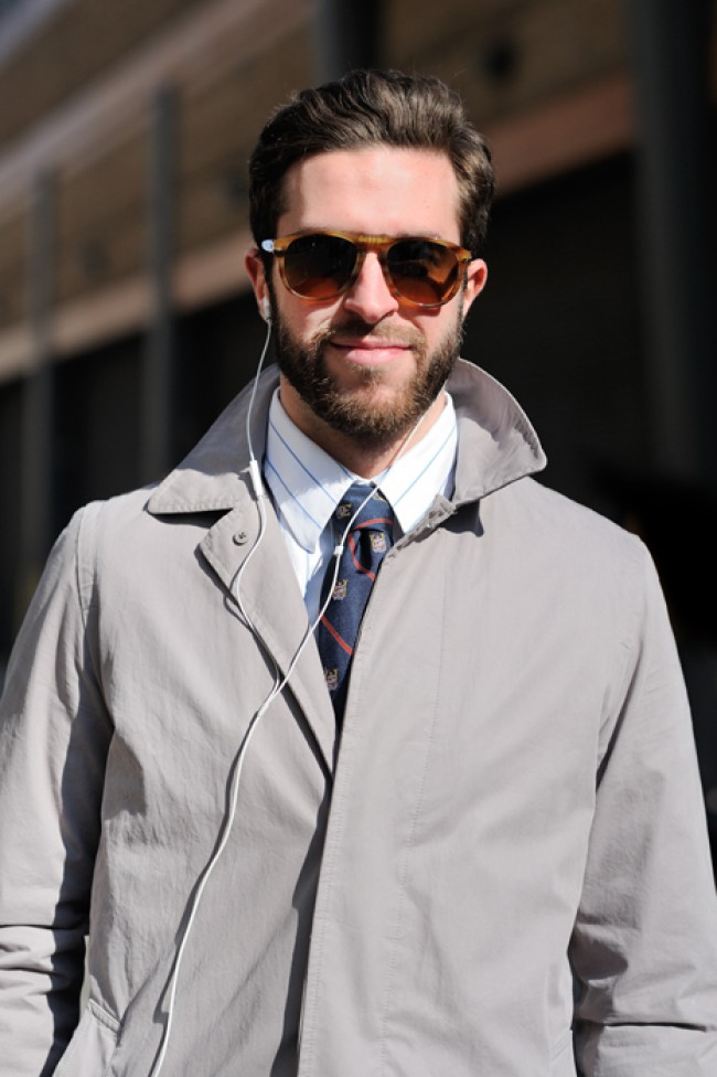 club-tie-outside-ralph-lauren-sunglasses-e1362056535309.jpg