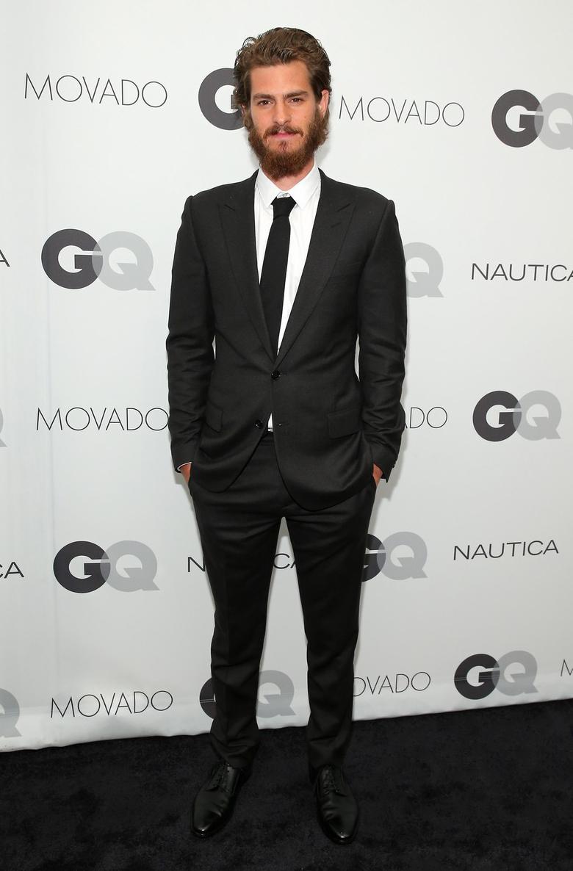 De cabelo e barba avantajados (quase passando do ponto), Andrew Garfield foi mais um dos premiados na noite de quarta pelas causas humanitárias que defende. Seu terno preto e branco bem desenhado também mereceu aplausos.