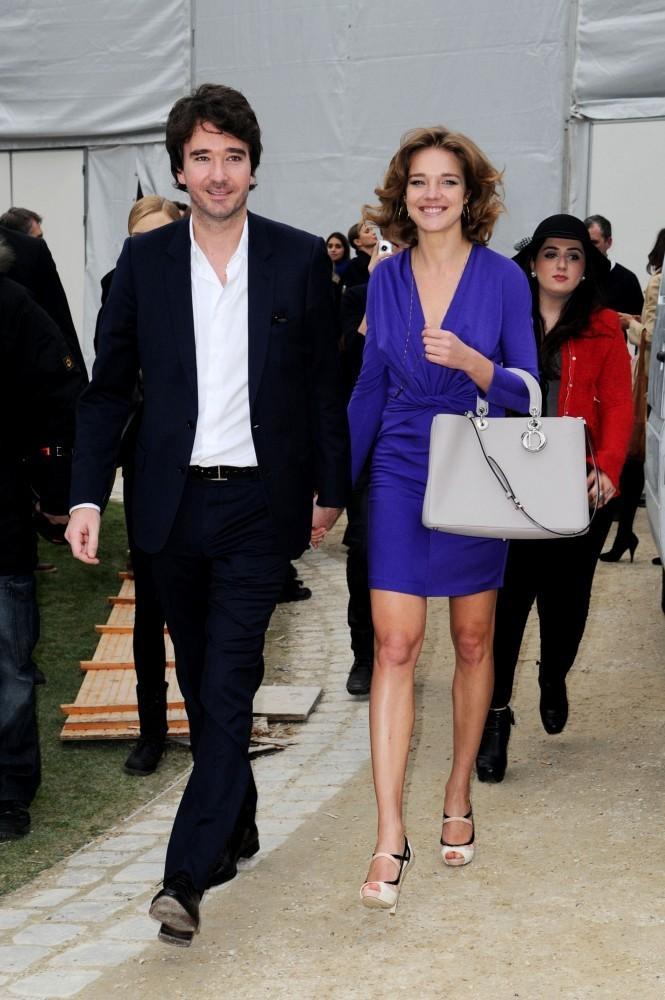 Natalia+Vodianova+Antoine+Arnault+Dior+Fashion+4Vuf3Pv-dBux.jpg